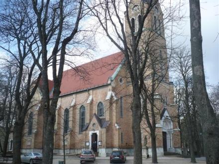 Szent hely Budapest peremén –  A máriaremetei Kisboldogasszony Bazilika Plébánia